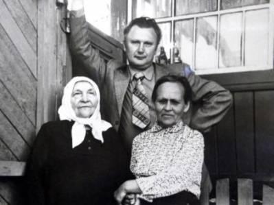 Бородино, с тёткой Федорой.