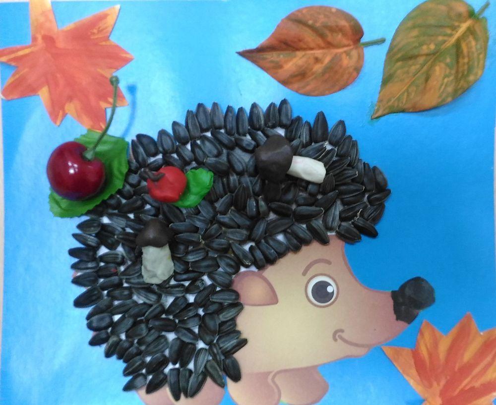 Поделка ёжик с листьями 31